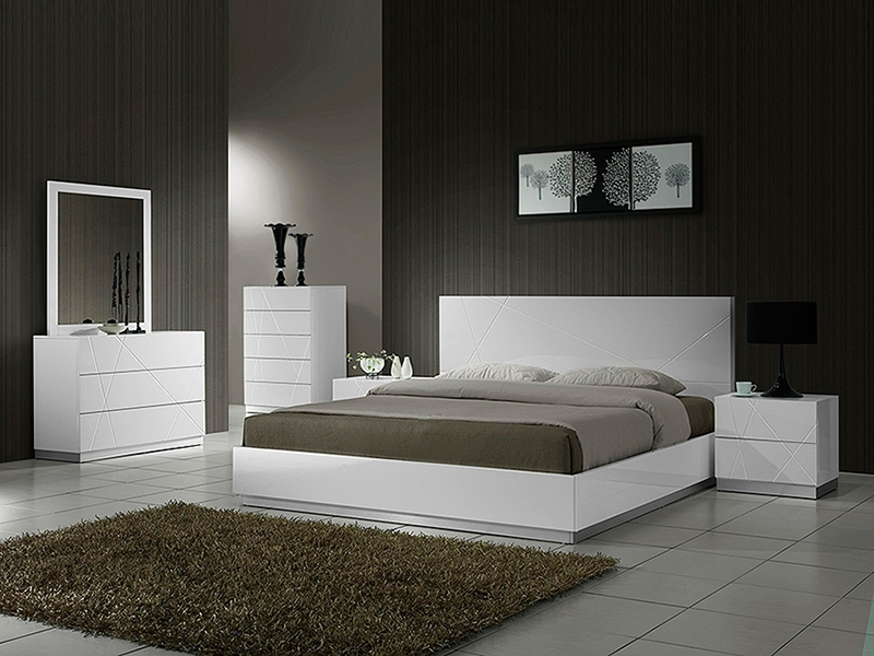 Decorating Your Bedroom with Modern Furniture1